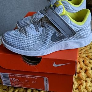 Nike Revolution Toddler Sneakers size 10c